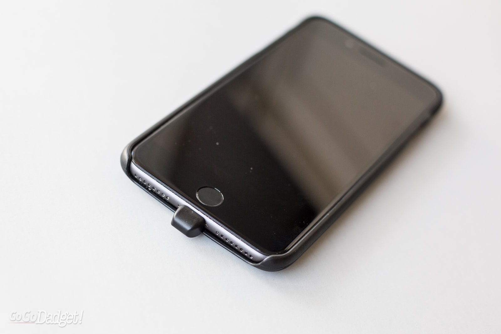 buy popular 3b931 c6490 Bezalel iPhone 7 Plus Latitude Wireless Charging Case Review